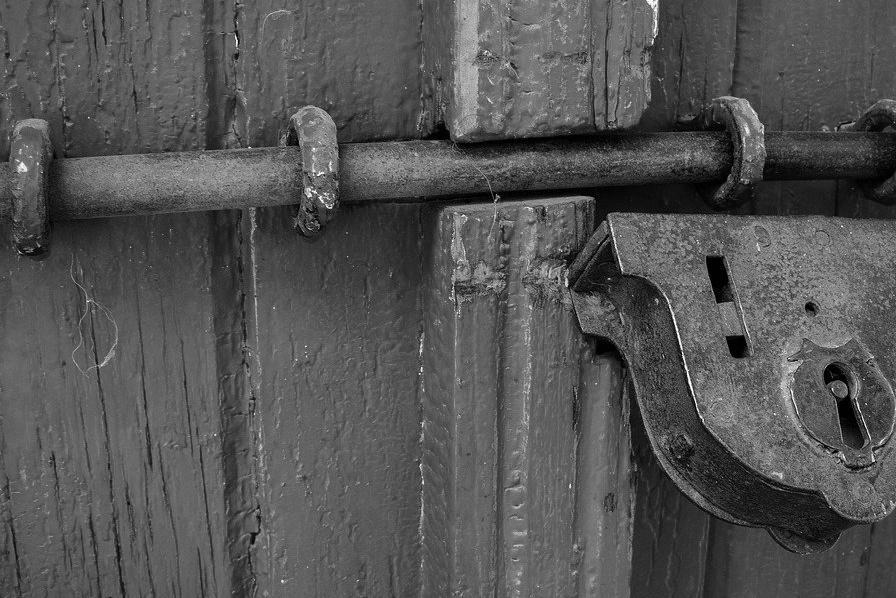 Porte d'Entrée Blindée à Agde pour maison