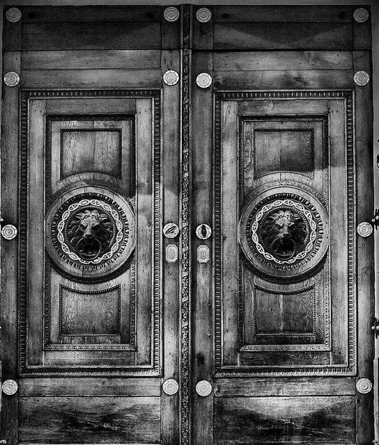 Porte d'Entrée Blindée à Saint-gaudens pour maison